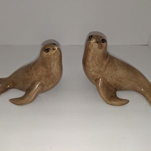 Seal statues